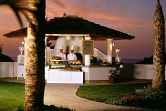 Le Meridien Dona Filipa & San Lorenzo Golf Course Bar
