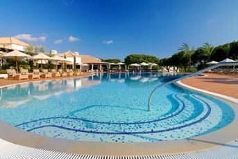 Algarve Pine Cliffs Pool