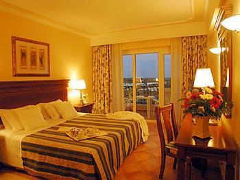 Ria Park Hotel Room